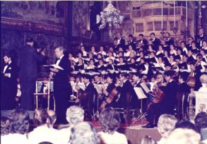 The St. Julian's Choir singing in a 1986 performance of Sammut's oratorio 'Ommna tas-Sokkors' at St. John's Cathedral, Valletta