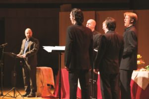 Members of the Ensemble Amarcord glance around