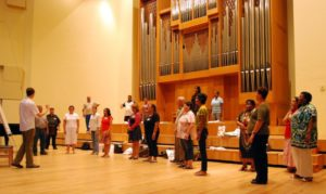 The author presenting one of the workshops for conductors during the First Stellenbosch International Choral Conducting Symposium & Voices of South Africa in 200914