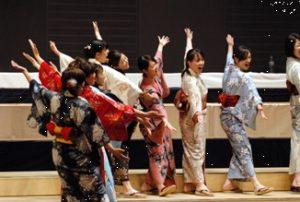 Tokyo Ladies' Consort SAYAKA, conducted by Ko Matsushiba in Marktoberdorf - Photo: Dolf Rabus