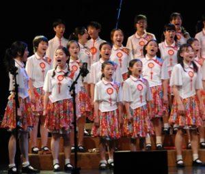 Guangzhou Palace Children's Choir, conducted by Leon Tong Shiu-wai at Polyfollia 2006 - Photo: Dolf Rabus
