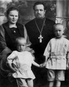 Victor Victorovich Rovdo with his family