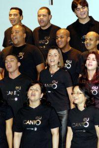 Rede Globos employees in performance, directed by Eduardo Lakschevitz - Photo: Erik Barros Pinto